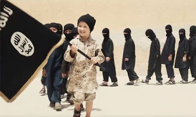 En av tio ungdomar i förorten sympatiserar med IS