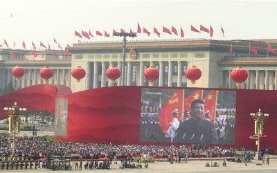 Ett steg fram och två bakåt när Kina firar 70